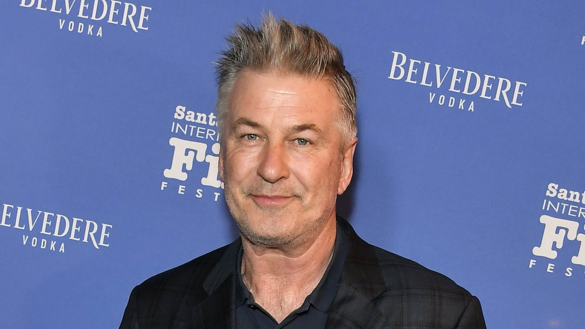 "Alec Baldwin will host new talk show on ABC titled ""Sundays with Alec Baldwin"""