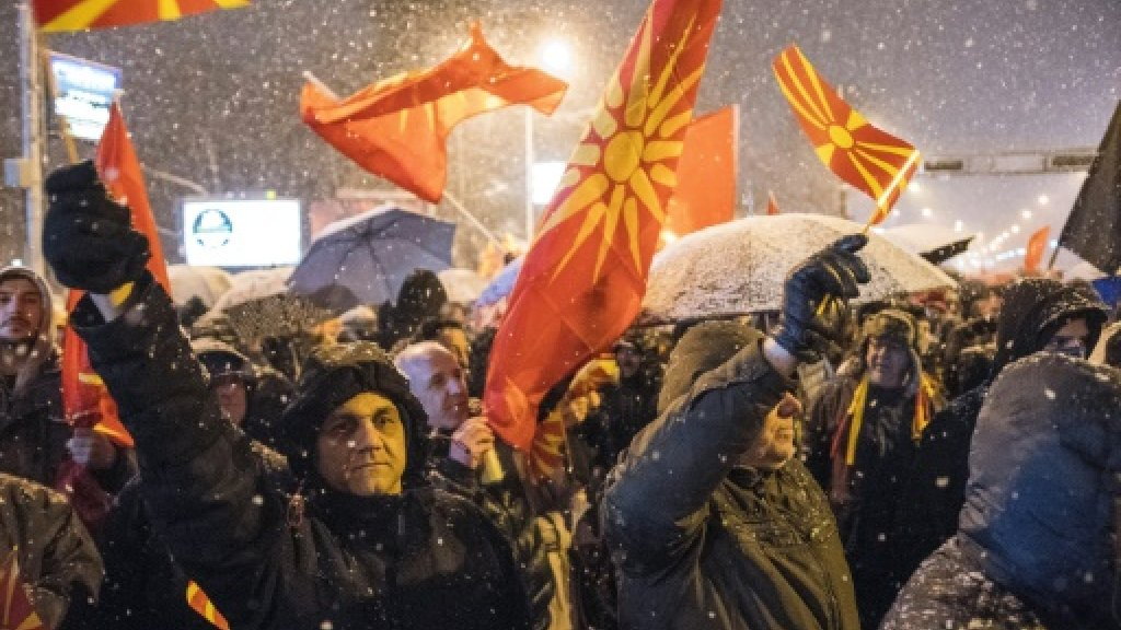 Thousands of Macedonians protest name change