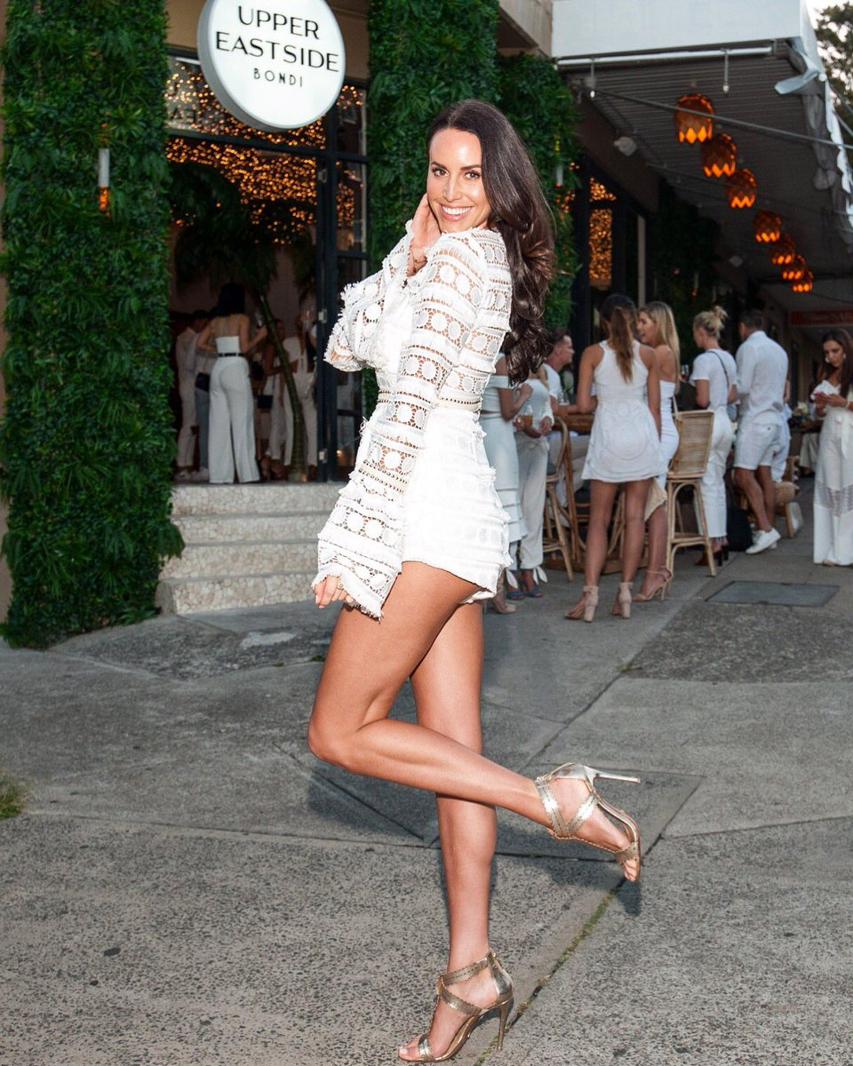 Dancing in the streets again, can't take me anywhere 😘 Thanks for having me! 📸 @stanleyimages . . . . . . . . . . . #bondibeach #uppereastside #streetparty #whiteparty #endofsummer #laurenvickers #sweatybettypr #premthelabel #schutzshoes
