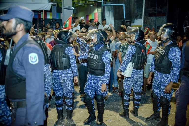 Maldives detains and deports international lawyers