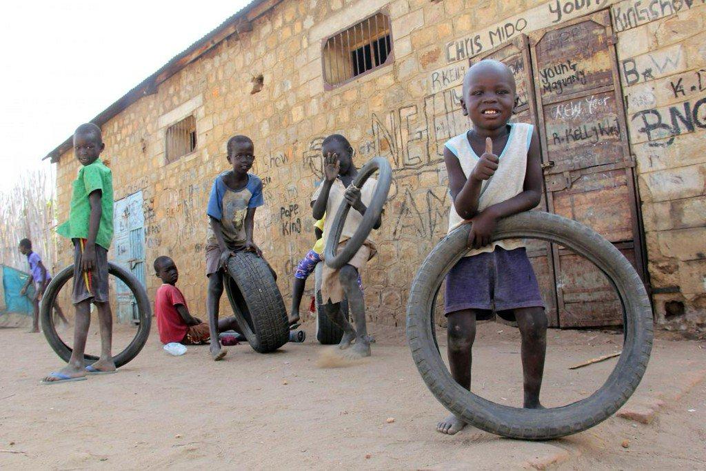 School restarts in South Sudan, in theory