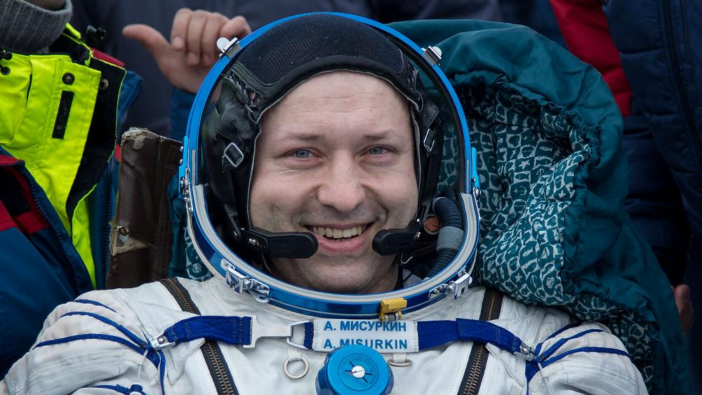 US-Russian crew returns from space station