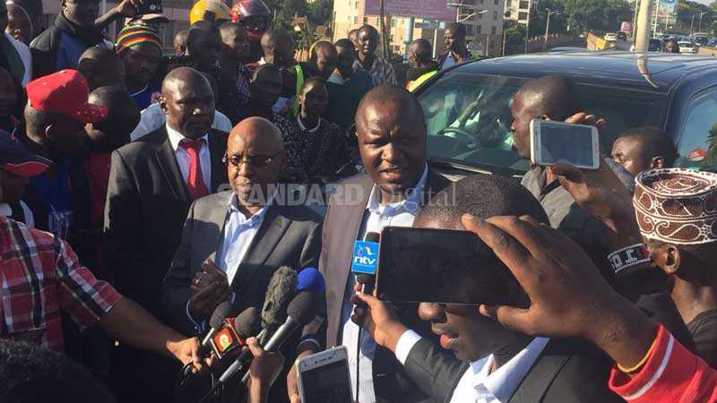Armed officers confront Jimi Wanjigi, serve him with court summons
