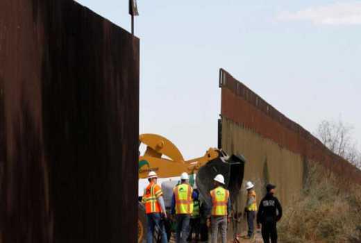 U.S. judge rejects lawsuit seeking to stop Trump border wall