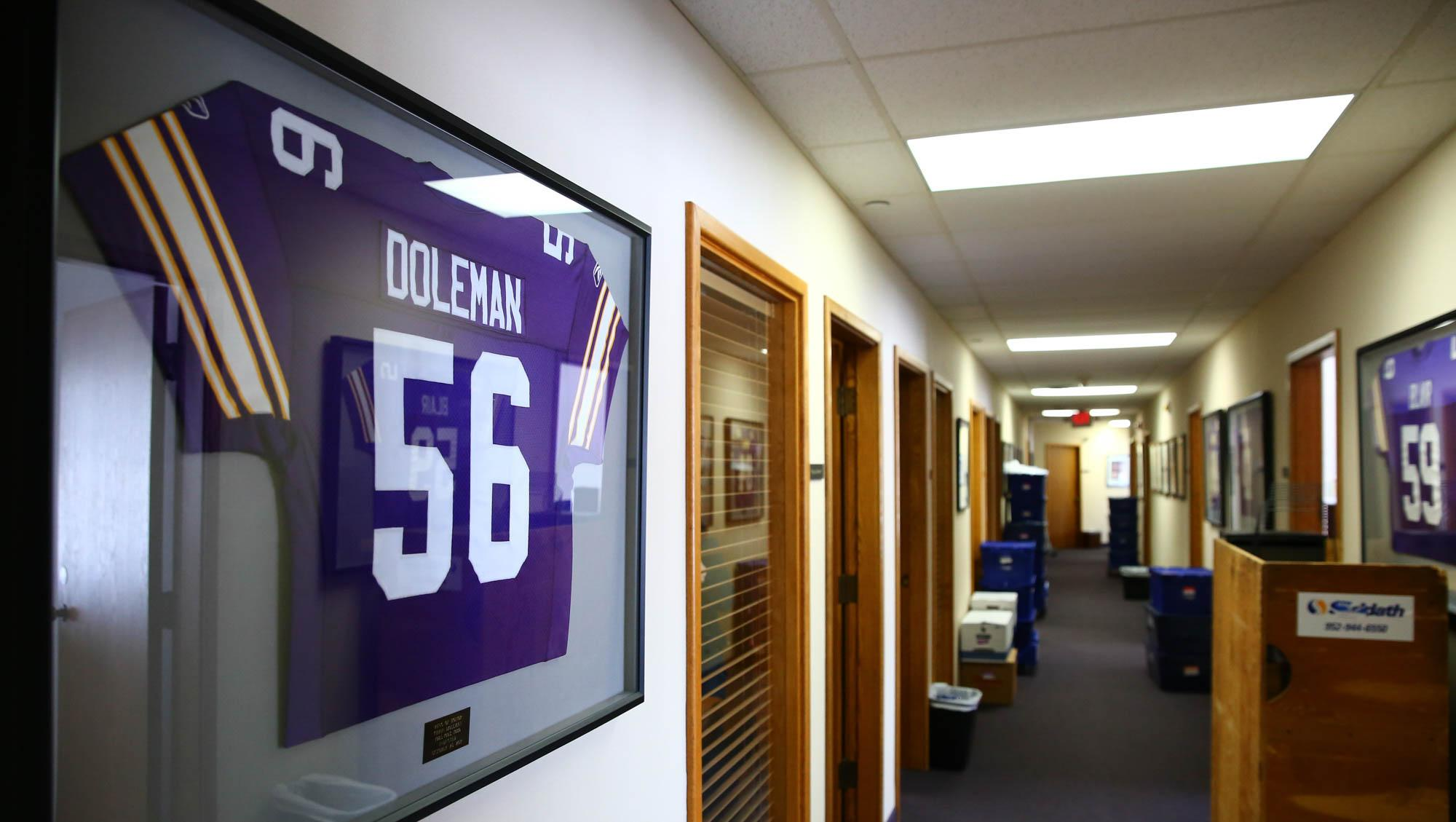 The #Vikings are set to say goodbye to the place they've called home since 1981.  ��: https://t.co/3uOgwqZFvr https://t.co/P0MySLKUvC