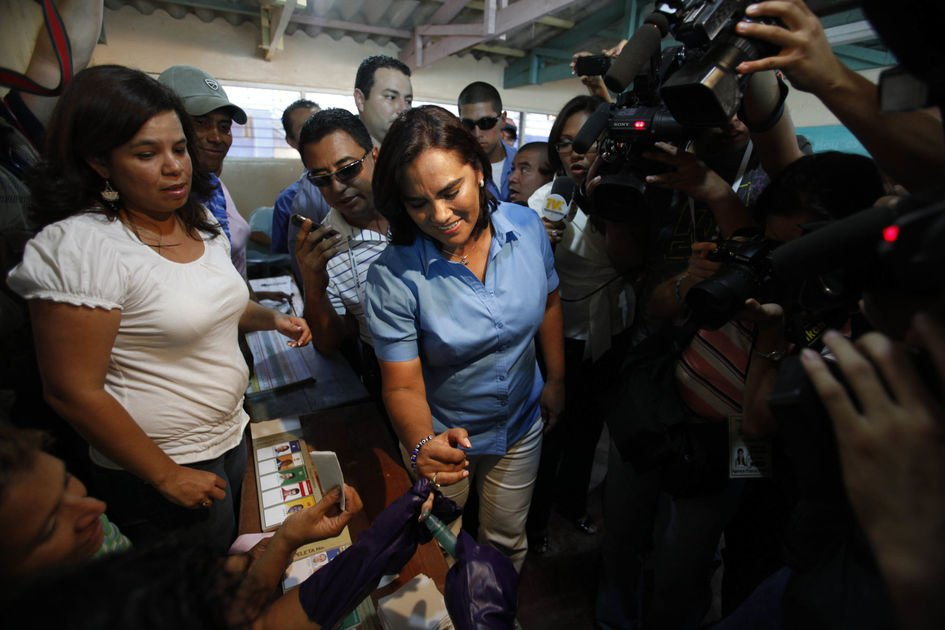 Honduras' former first lady arrested in graft case