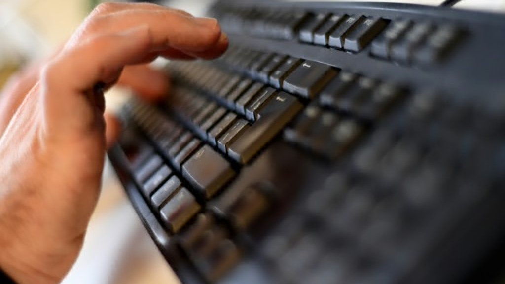 Remove 'terror content' within an hour, EU tells web firms