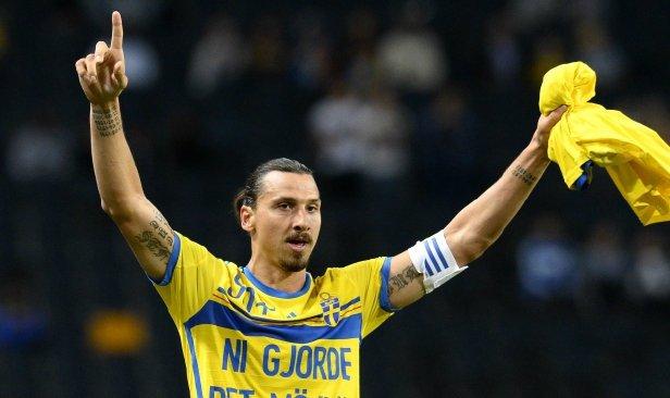 Ibrahimovic sedia sarung jersi Sweden