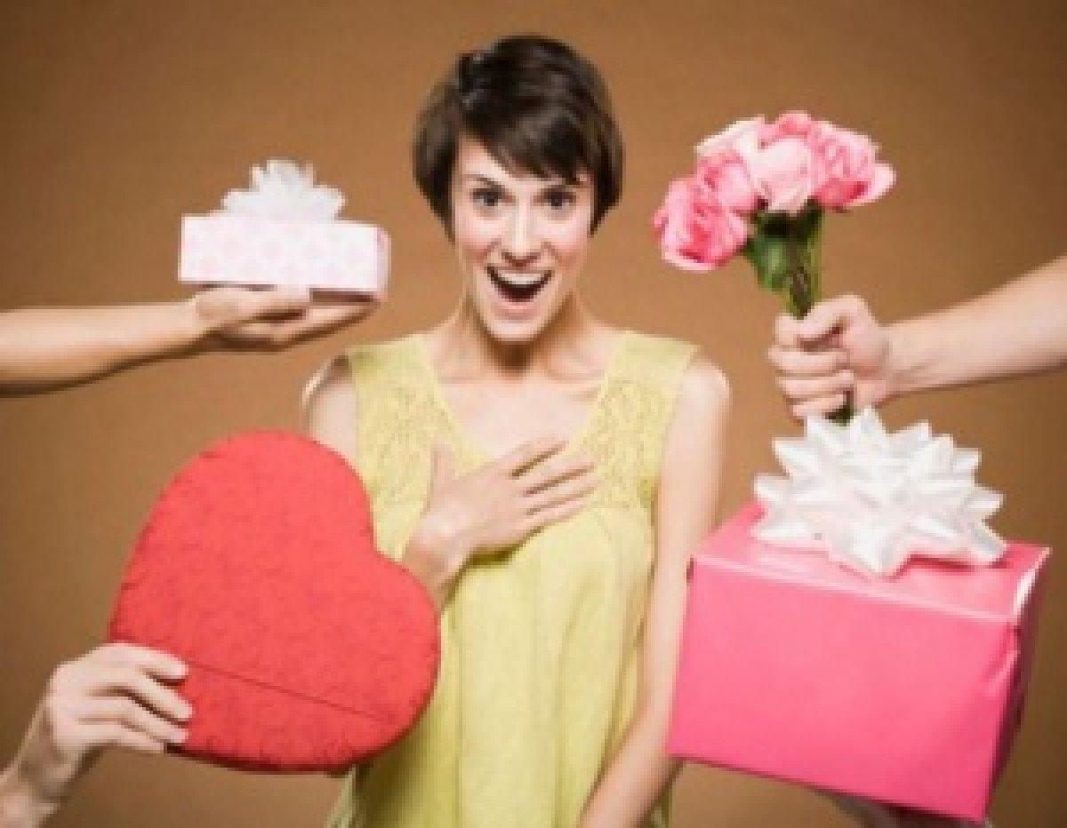 Что можно подарить девушке без повода, чтобы ей было приятно 94