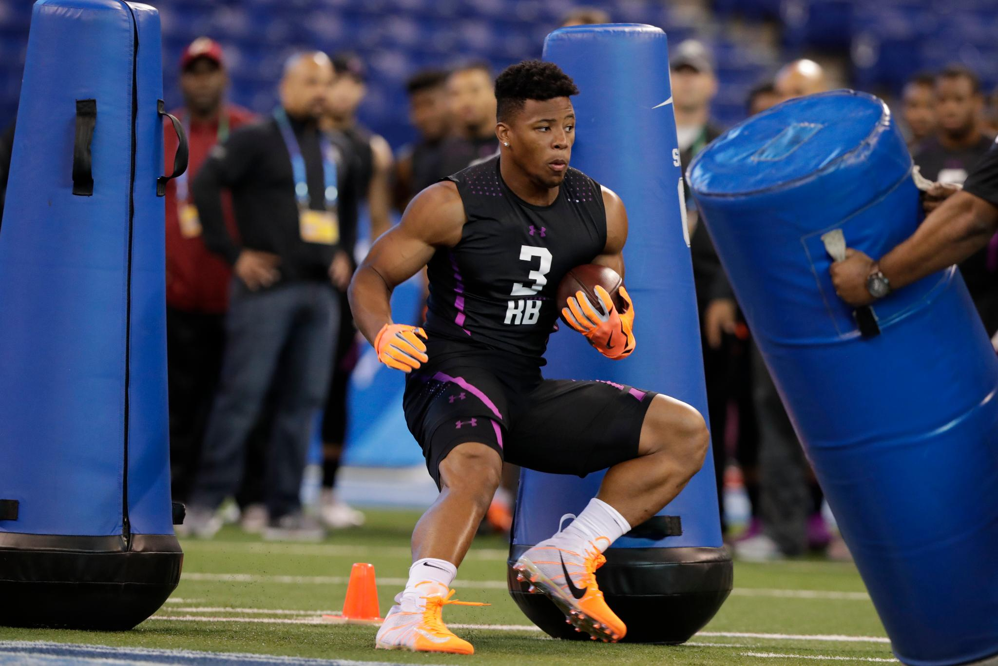 RB & OL workouts were held today at the #NFLCombine.  Top photos ��: https://t.co/jm0MOumI7d https://t.co/266uCqEyqn