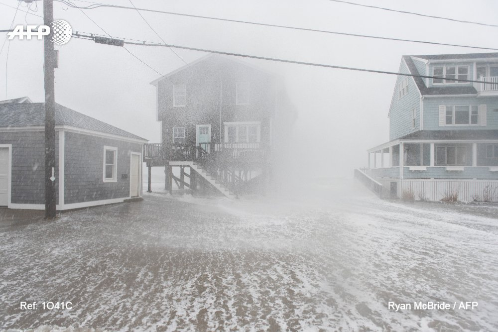 Storm brings wind, flooding and snow to US Northeast