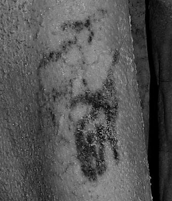This is what a 5,000-year-old tattoo looks like https://t.co/g3rBX8FTpX https://t.co/oRS06aJVZE