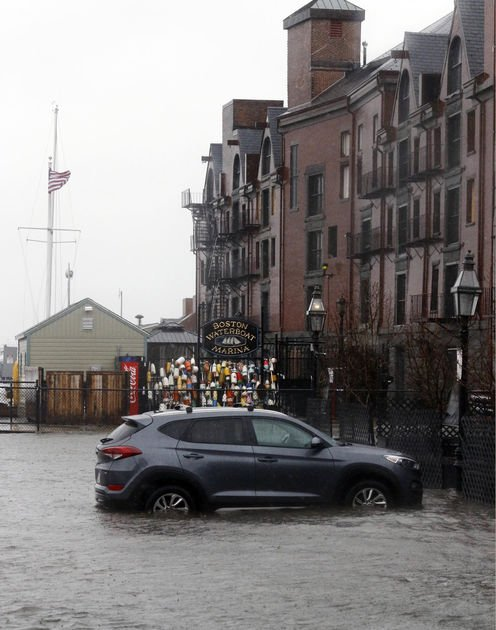 The Latest: High winds wreak havoc in nor'easter