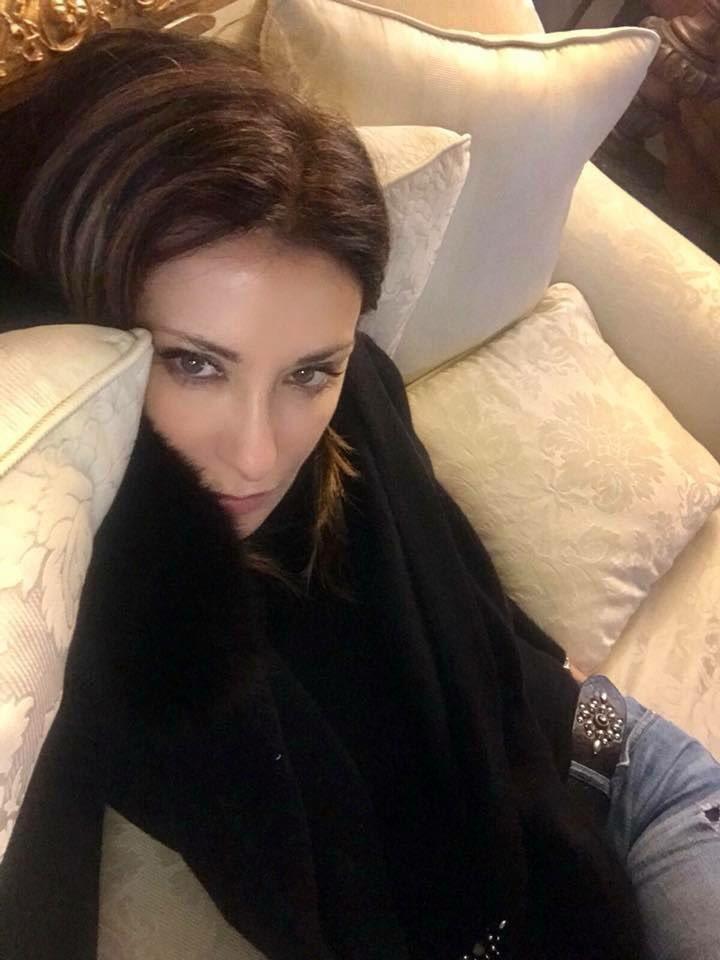 E...voi?? #lazy #lazysaturday #divano #tv #rainyday #sabrinasalerno https://t.co/2TQS7xGk2O