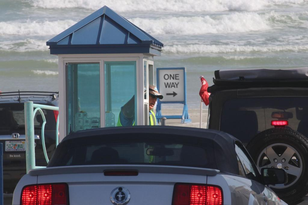 Volusia, Daytona Beach Shores seek to settle beach parking dispute