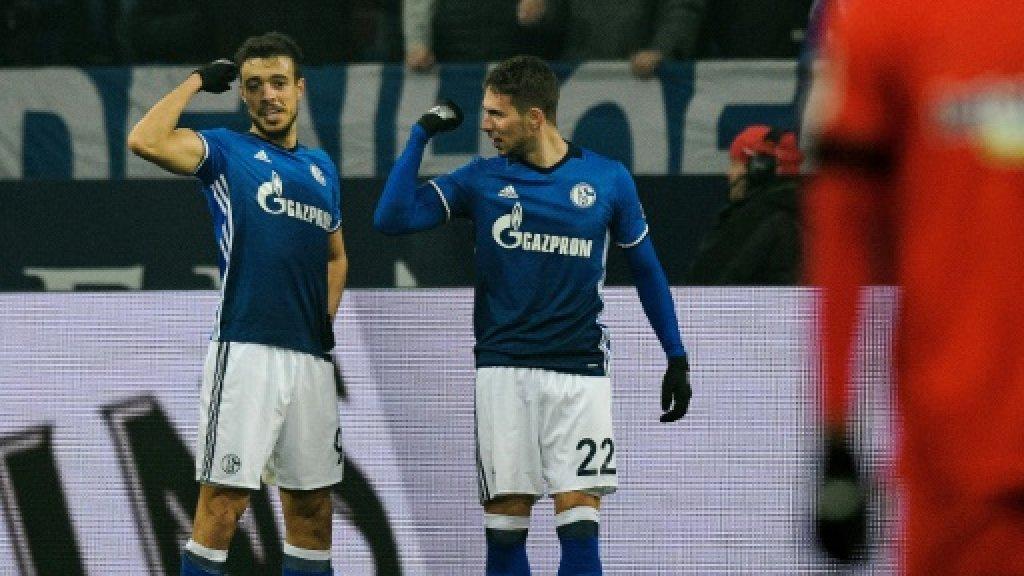Pjaca boosts World Cup hopes to fire Schalke second