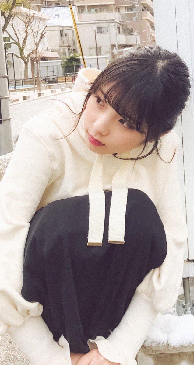 これで福岡デート終わりだね…帰りたくないなー。  楽しんでくれた?  #与田祐希 #与田ちゃん #日向の温度...