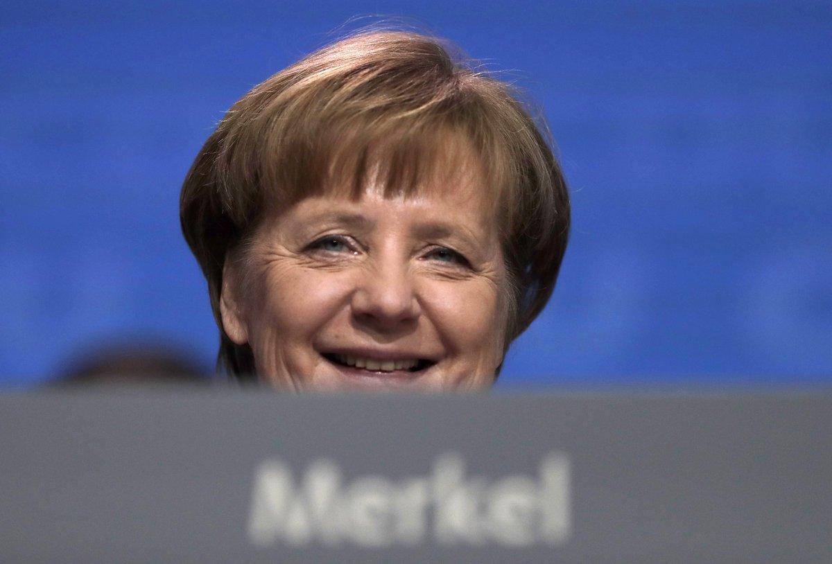 Merkel set for 4th term after Social Democrats OK coalition