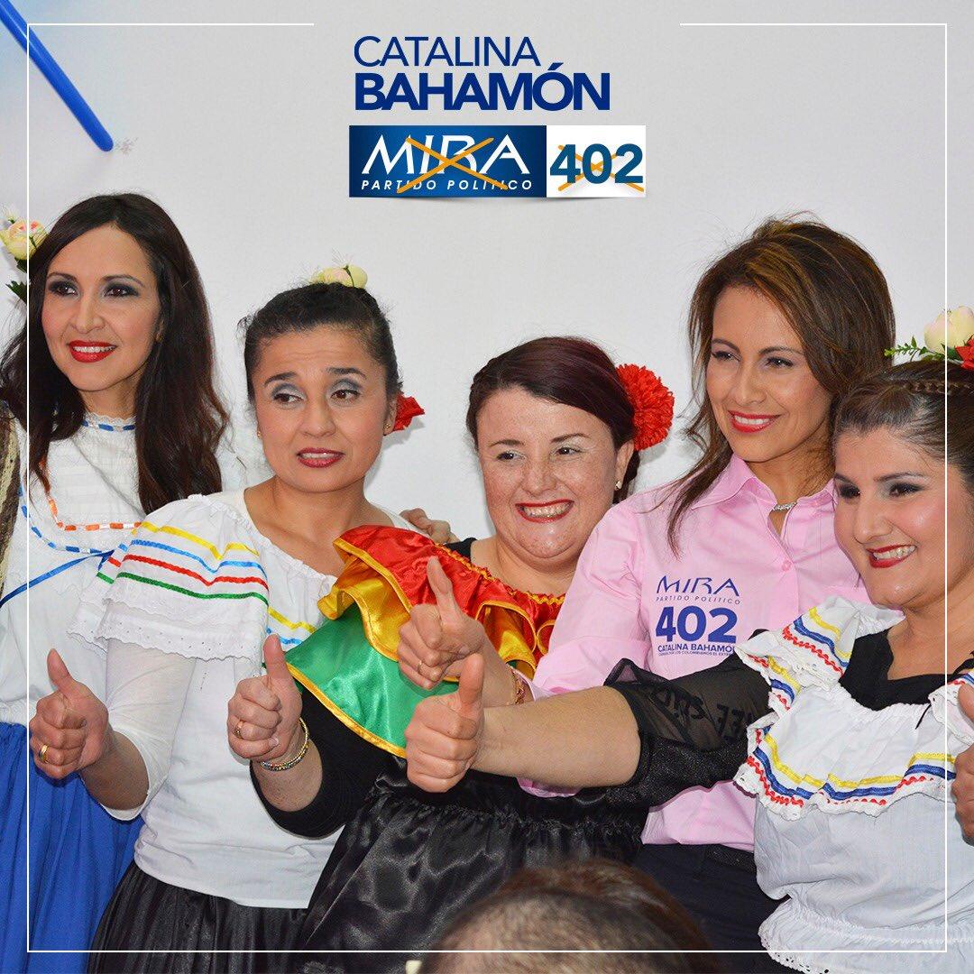 La familia Miraísta en Madrid celebra con sentimiento de victoria el inicio de la semana electoral. 🎉¡Viva MIRA!*🎉 Desde mañana marca ❌@MovimientoMIRA ❌@AnaPaolaAgudelo 1️⃣Senado ❌@BahamonMIRA 4️⃣0️⃣2️⃣ Cámara #AquiSiHayConQuien #PasateAMIRA https://t.co/3kAwsTAvWU