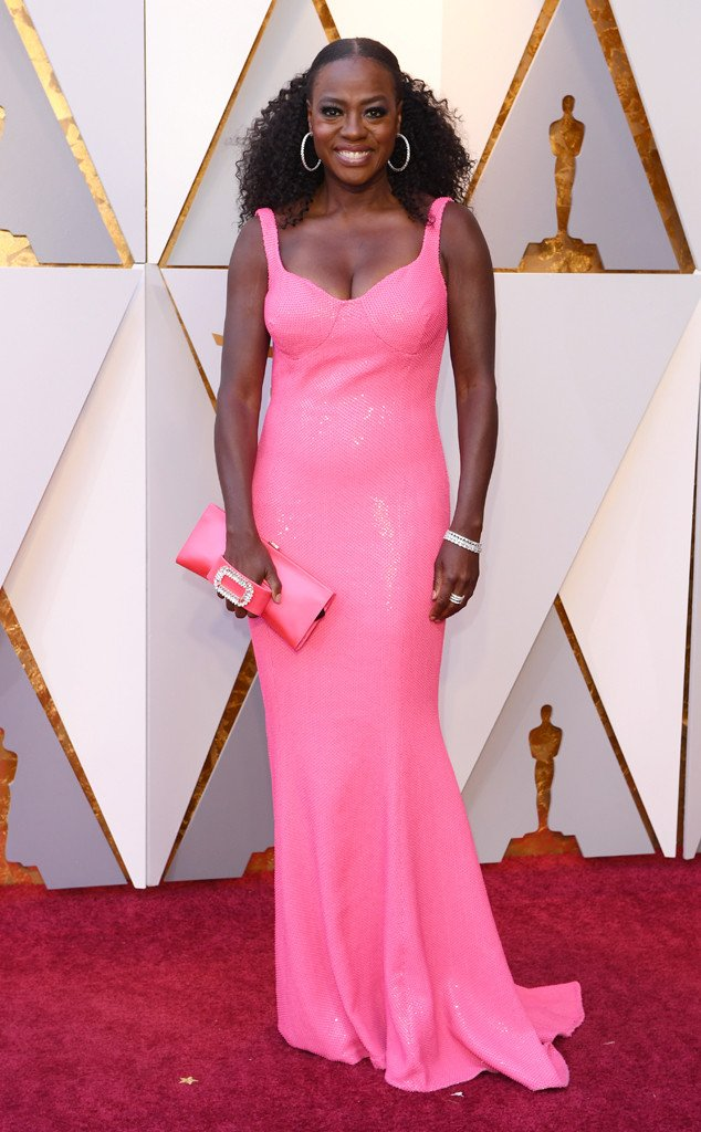 There's no way of missing Viola Davis' brilliant pop of color on the Oscars red carpet:
