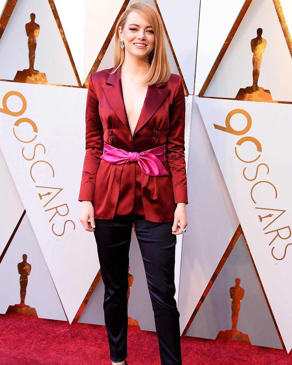If you need us we'll be bow-ing down to Emma Stone's Oscars look.