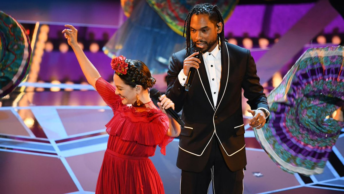 Miguel Made Sparks Fly With His Beautifully Festive Oscars Performance