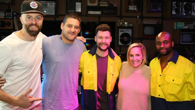 Brendan Fevola pranked: Fails to recognise the singer of his favourite song