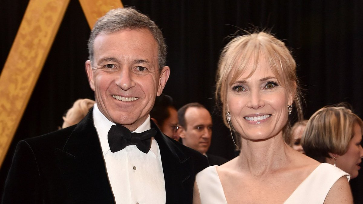 Oscars photos: Executives (and their dates) on the red carpet (updating)