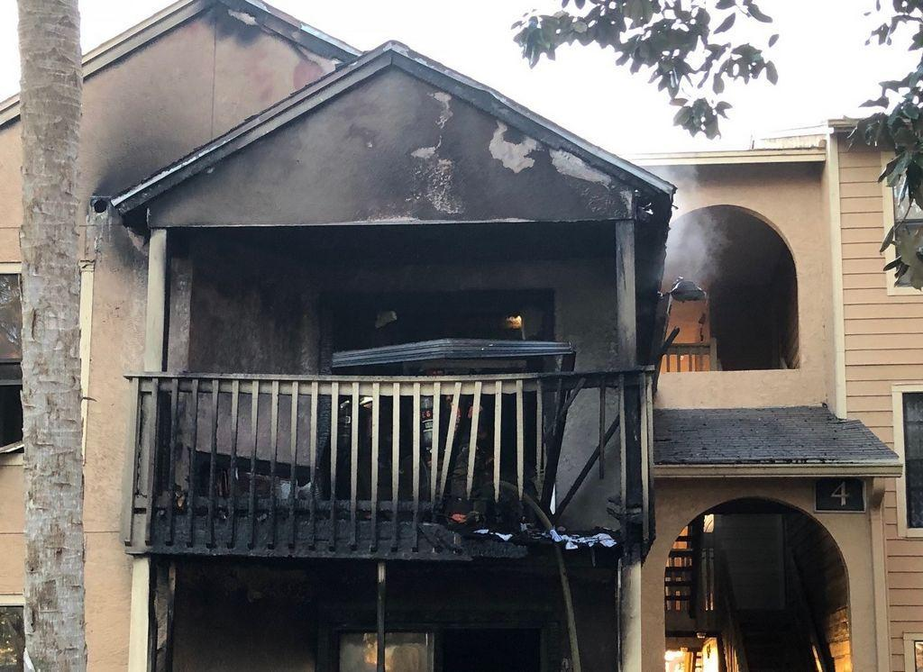 Morning fire damages 2 apartments in Daytona Beach