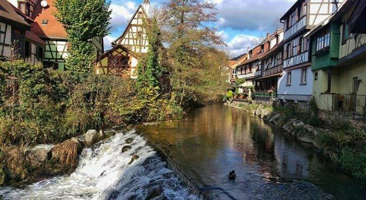 Superbe vue de Kaysersberg merci @msbalioglu. L'#Alsace est belle faisons le savoir #MagnifiqueFrance https://t.co/tVu5JCFrWO