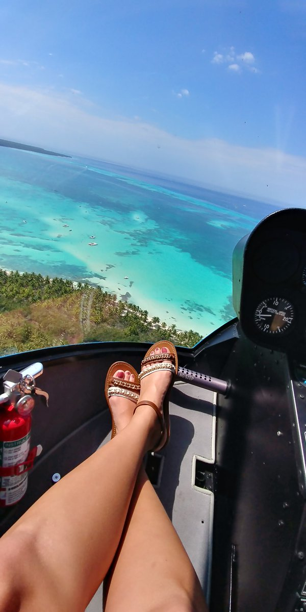 1 pic. When you know how to arrive on a private island in style🌴✈👣 #freshislandFEET EBt