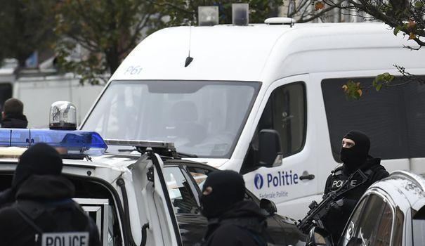 """Belgique: 8 arrestations à Molenbeek dans un """"dossier terroriste"""""""