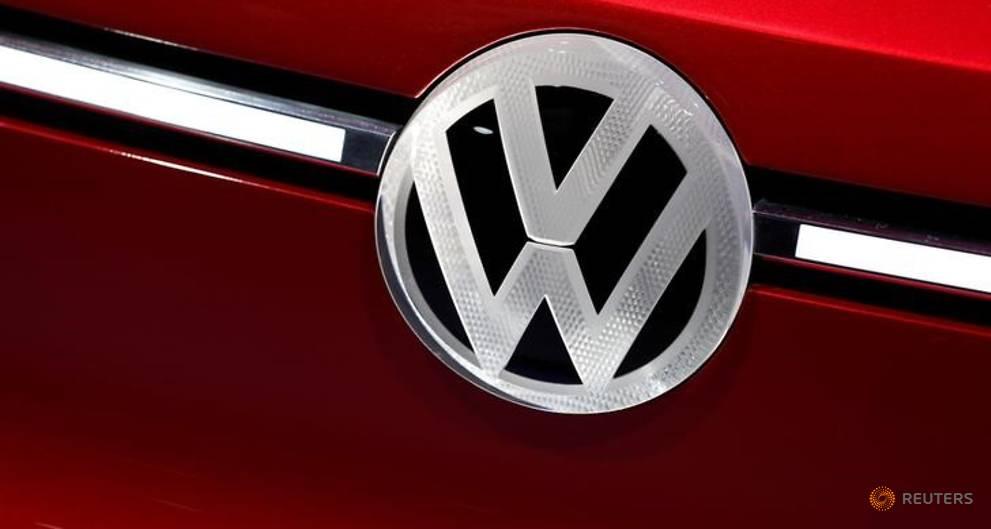 Trump trade threats alarm German carmakers, hit investor morale
