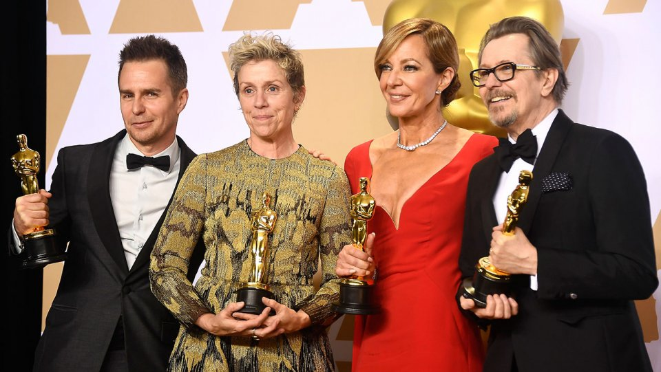 Oscars: 20 years of acting winners with their trophies