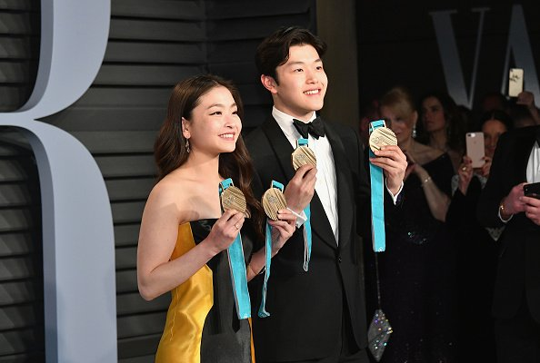 When you have #WinterOlympics medals to show off at #Oscars parties part 2  📸: Dia Dipasupil/Getty Images https://t.co/mQV8zuMU7O