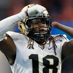 One-handed NFL prospect posts 20 reps on bench press at scoutingcombine