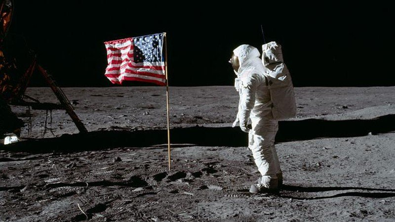 500,000 pounds of human trash litters the moon, report finds