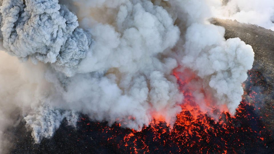 Japanese volcano erupts, dozens of flights grounded