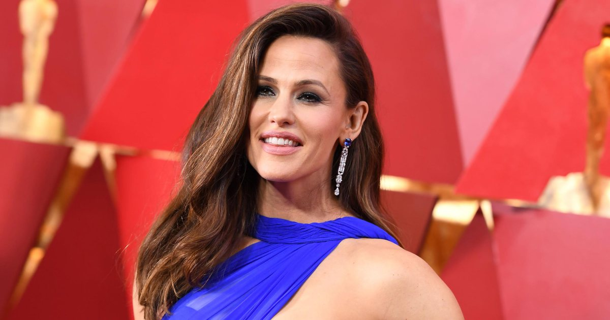 Jennifer Garner reveals what she was thinking about in viral Oscars moment: