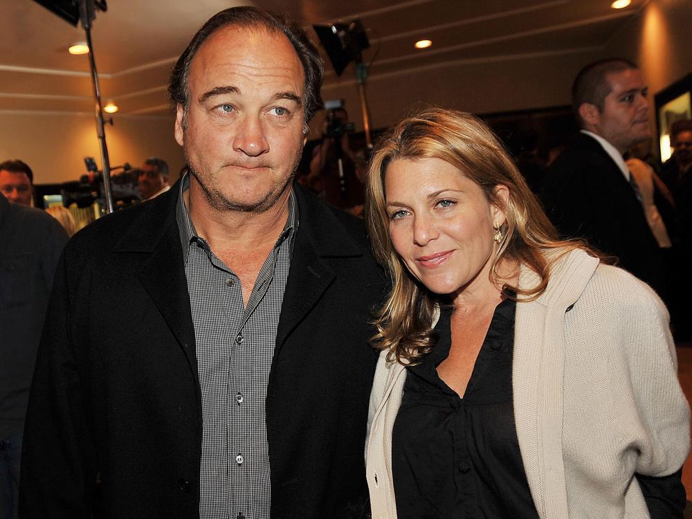 Jim Belushi's wife files for divorce
