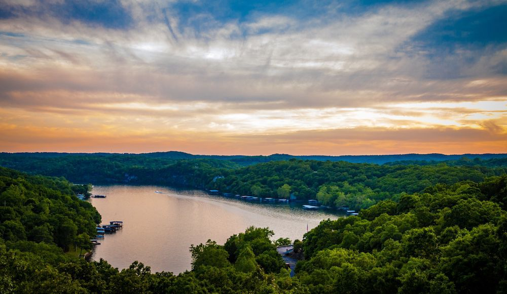 Property owners along Lake of the Ozarks call for boating regulations