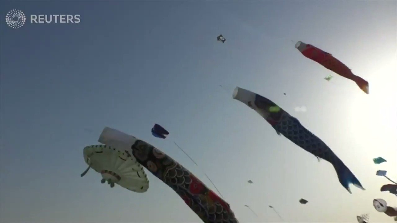 Colorful kites dominate skies in Qatar festival https://t.co/EB4bckDIPb https://t.co/bU9JeswNap