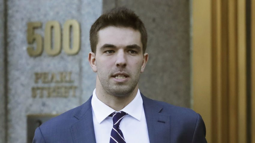 Organizer of failed Fyre Festival pleads guilty to fraud