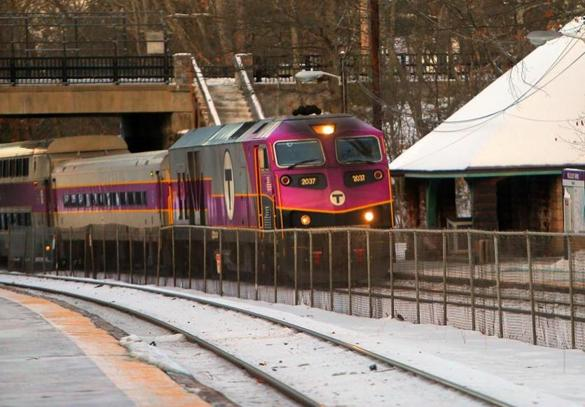 Hands getting cold on the platform? MBTA app now allows Apple Pay