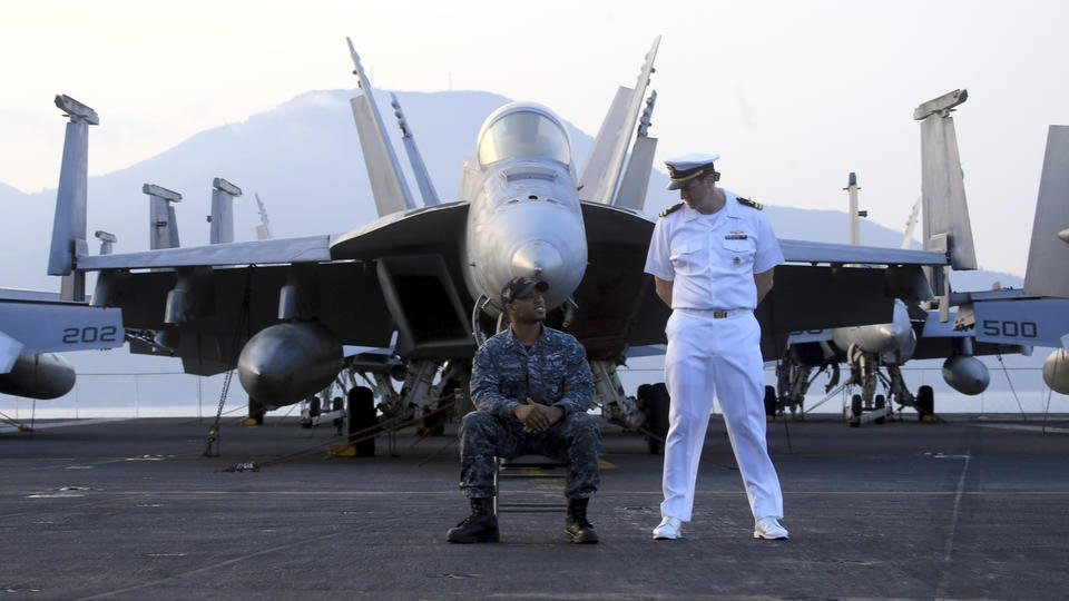 Paper notes China's 'unhappiness' over US Navy Vietnam visit