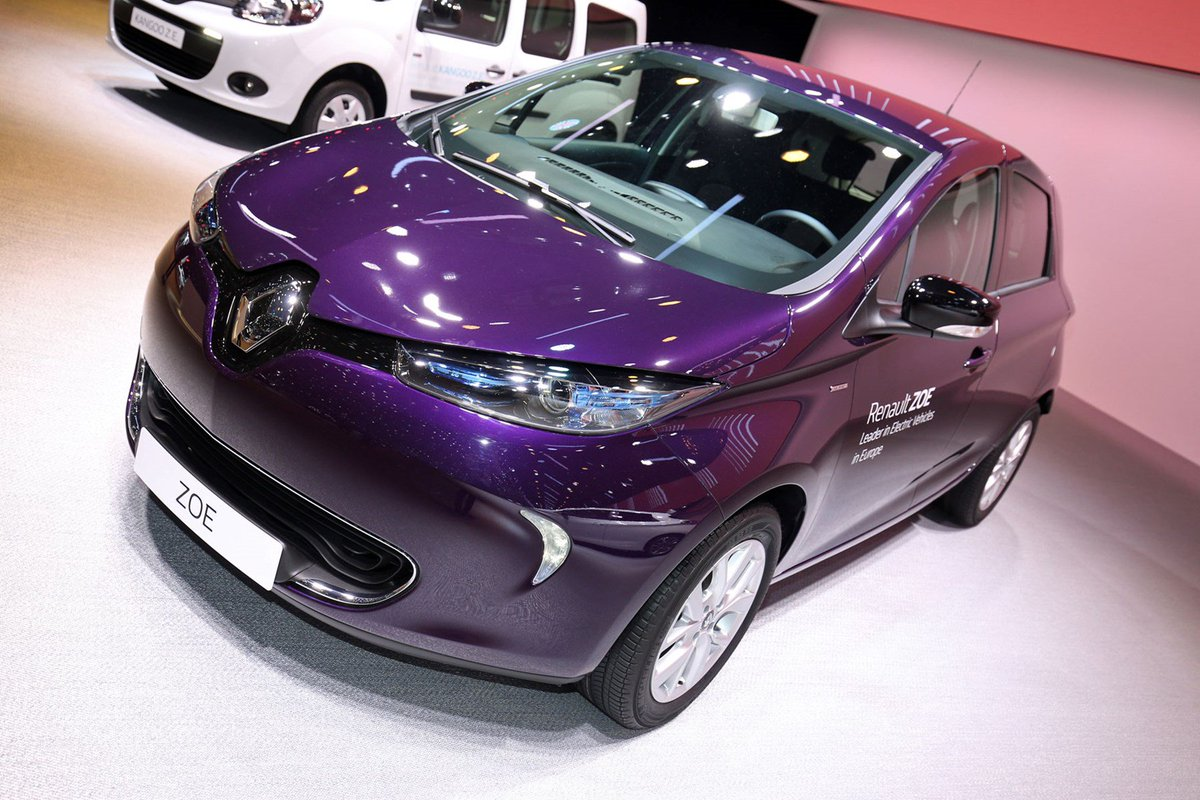 The current purple - more powerful Renault Zoe R110 at 2018 Geneva motor show