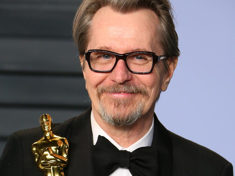 Gary Oldman's son defends his father against mother's claims of abuse