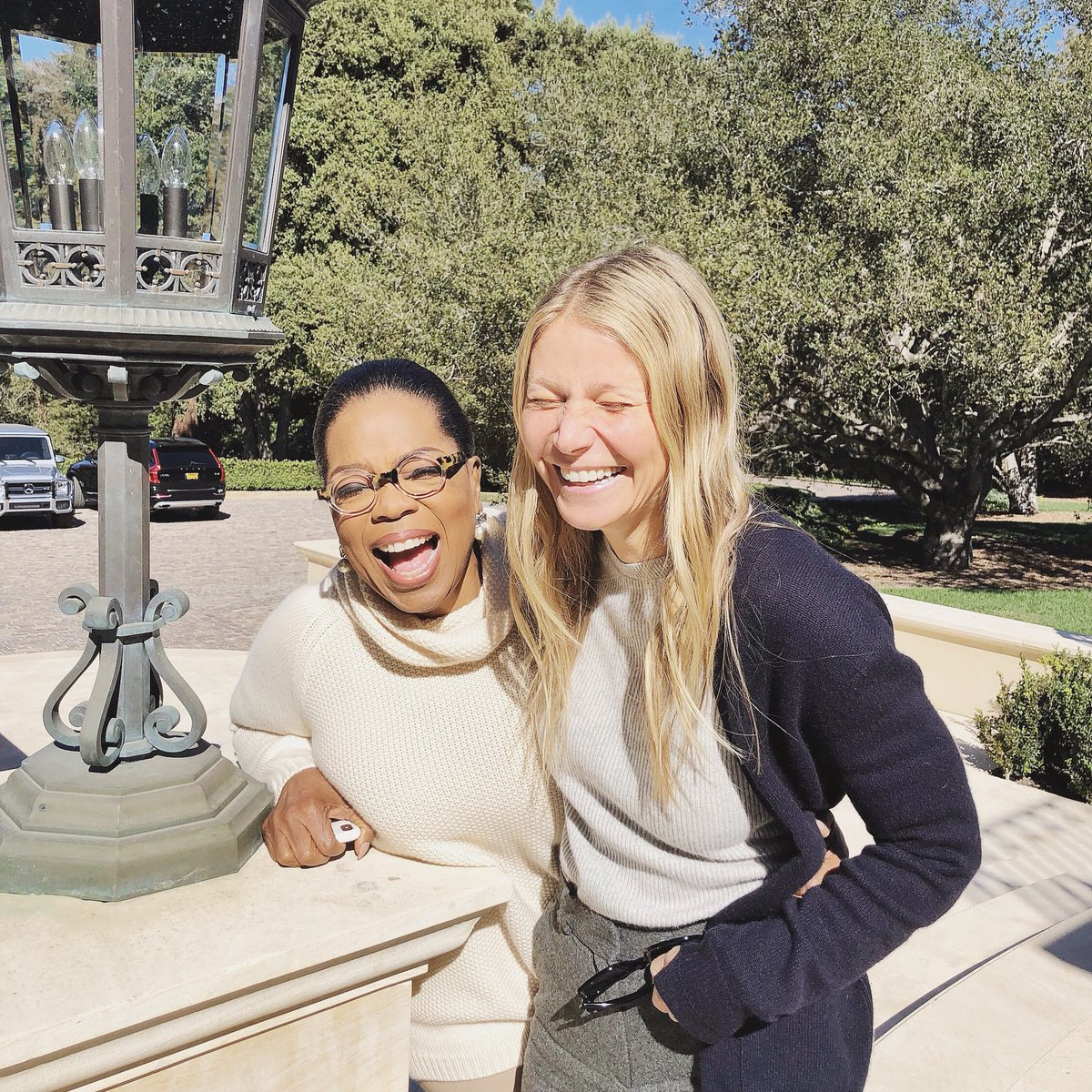 The #goopPodcast is live today and you guessed right: It's Oprah. Listen + subscribe: https://t.co/u77BlFieZq https://t.co/Dsl3bN14DG
