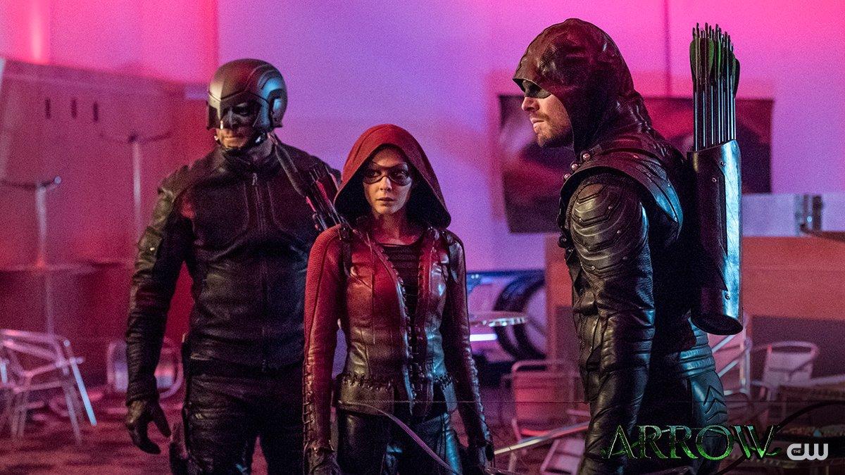 Speedy returns to Team #Arrow TONIGHT at 9/8c on The CW! https://t.co/Gp8lljmaaQ