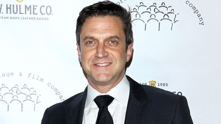 'Law & Order: SVU' Alum Raul Esparza Returns to NBC in Drama 'Suspicion'
